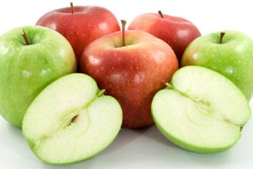 Яблоки уберут синяки под глазами