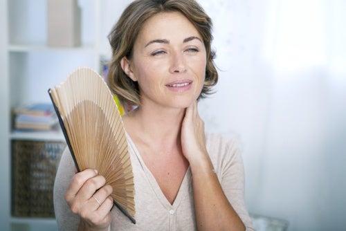 Менопауза: 6 травяных настоев для облегчения ее симптомов