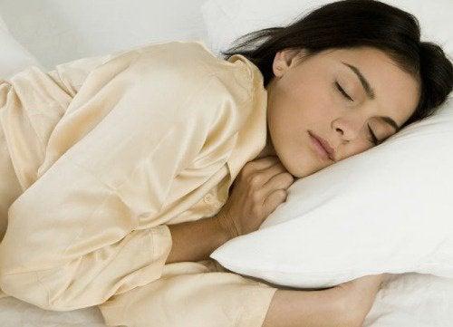 Крепкий сон: 8 продуктов против бессонницы