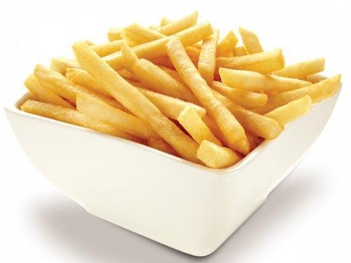 Жареный картофель вызывает желудочный рефлюкс