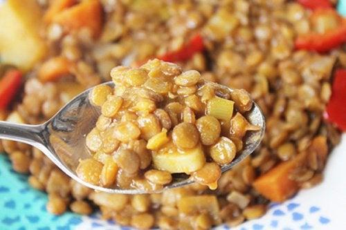 Чечевица и овощи