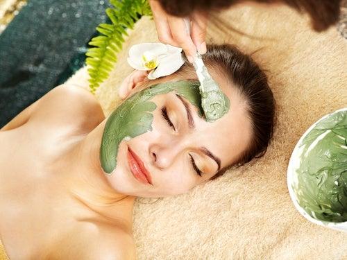 Натуралоьная омолаживающая маска для кожи лица