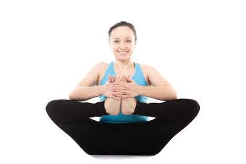 Йога поможет снять боль в спине