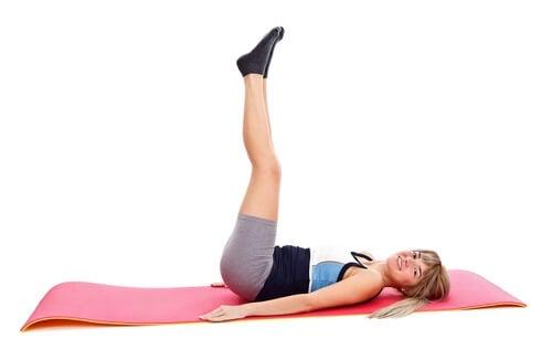 Растяжка ног поможет снять боль в спине