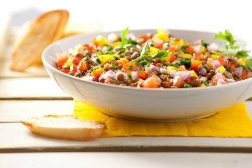 Чечевица в салате
