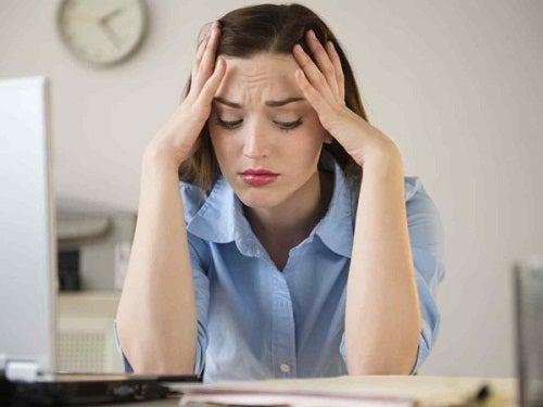 Стресс может вызвать бруксизм