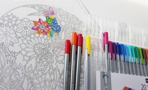 Книжки-раскраски: терапия для взрослых