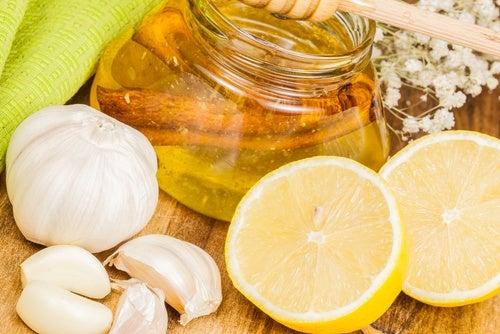Лимон и чеснок быстро очистят и укрепят твои артерии