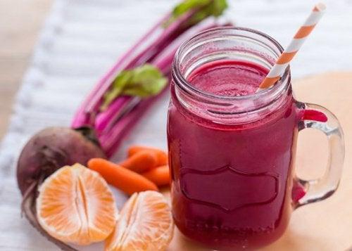 Свекольно-морковный коктейль