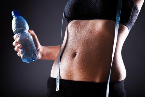 Количество пота никак не влияет на содержание жира в организме