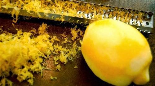 Замороженный лимон и цедра цитрусовых