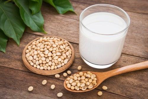 Злоупотребление соей и избыток эстрогенов