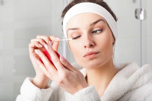 Средство для снятия макияжа позволит выглядеть красиво утром