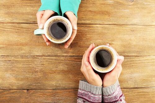 Пить кофе и алкоголь надо умеренно