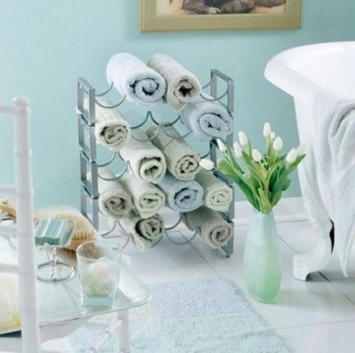 Используйте для полотенец, чтобы поддерживать ванную в порядке