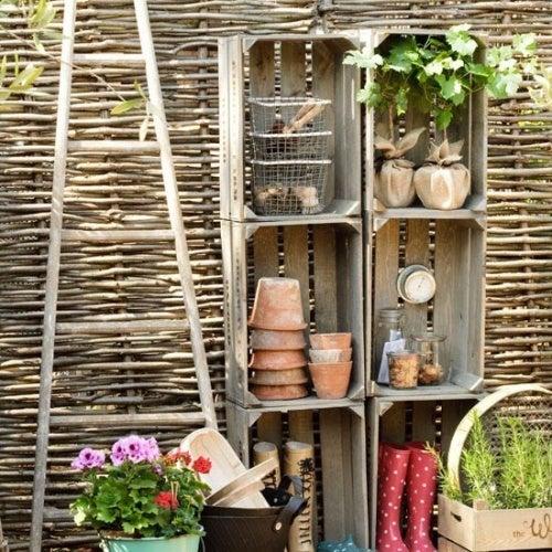 Ящики и полки для сада