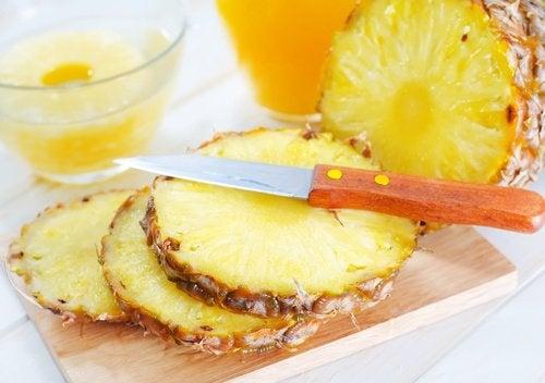 Маска из ананаса и морщины