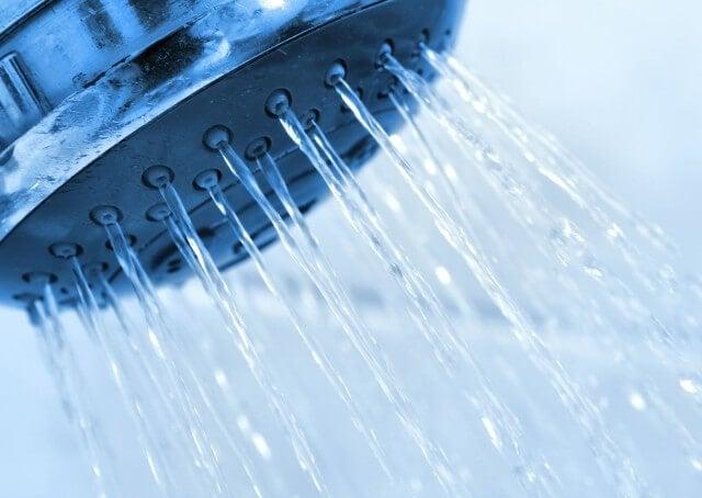 Холодный душ: 11 неожиданных преимуществ