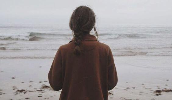 Жизнь после смерти и женщина на пляже