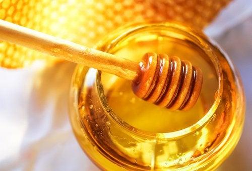 мед поможет Очистить организм от избытка сахара