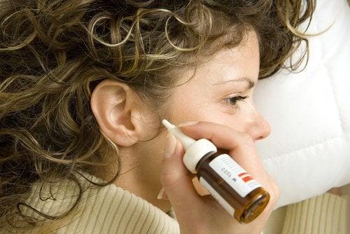 Очищение ушных раковин и оливковое масло