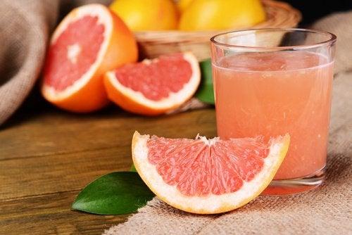 Грейпфрут и фрукты