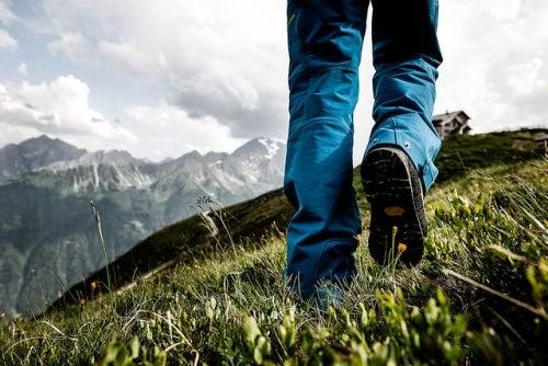 Для развития позитивного мышления очень полезны прогулки на свежем воздухе