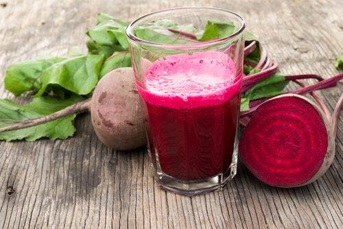 Свекла: как приготовить из нее полезный для нашего здоровья сок?