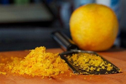 Цедра апельсина поможет убрать пигментные пятна