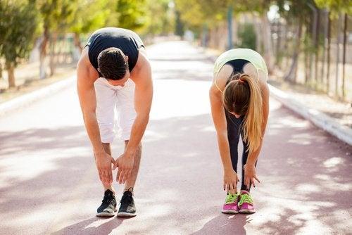 Боль при ишиасе и упражнения на спину
