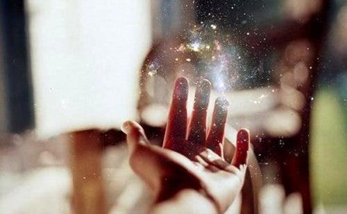 Вера не делает нашу жизнь проще, но она делает все возможным