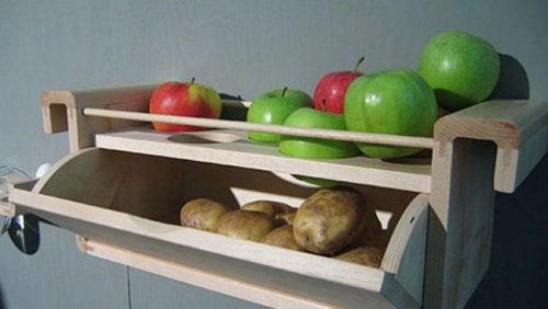 Яблоки картошка и продукты