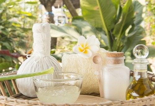 Крем из алоэ и кокосового масла победит дефекты кожи