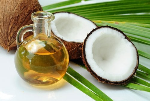 Кокосовое масло чтобы уменьшить растяжки