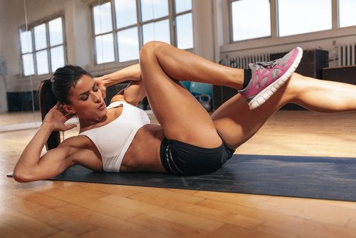 Скрещивание мышц живота поможет убрать жир с живота