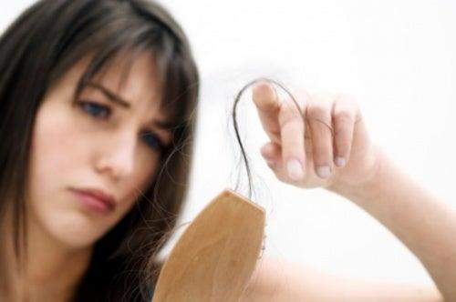 Выпадение волос и дерматолог