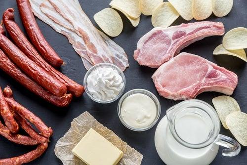 Вредные продукты и повышенная кислотность желудочного сока