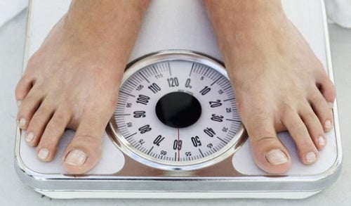 Лишний вес может появиться есть ложиться спать поздно