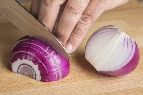 Лук и микроволновая печь