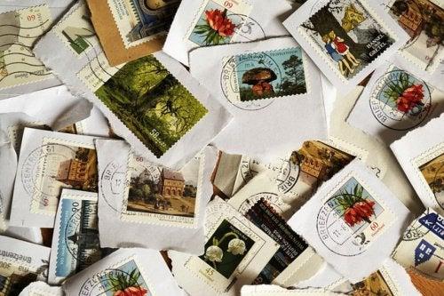Отклеить марки от письма в микроволновой печи