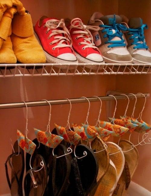 Плечики для обуви помогут организовать пространство для хранения