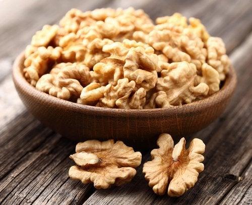 Грецкие орехи защищают печень