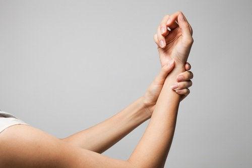 Планка и суставы