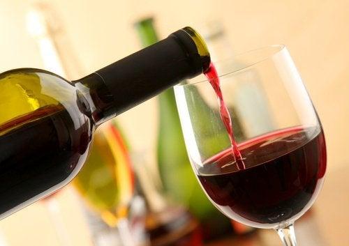 Один бокал красного вина в день поможет стимулировать кровообращение