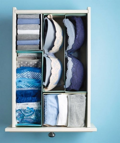 Используй старые деревянные ящики для хранения белья чтобы организовать пространство