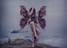 Женщина с крыльями парит над пропастью и жизнестойкость