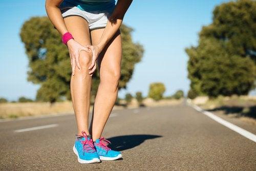 Боли и жар в коленях