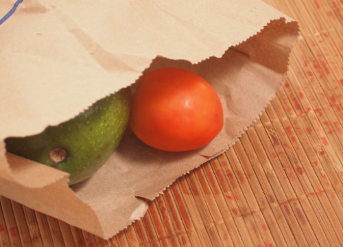 Авокадо и томат