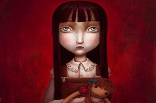 Девочка с куклой и дефицит положительных эмоций