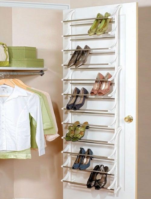 Дверь поможет хранить обувь